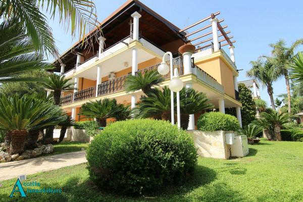 Villa in vendita a Taranto, Residenziale, Con giardino, 238 mq
