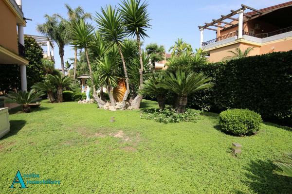 Villa in vendita a Taranto, Residenziale, Con giardino, 238 mq - Foto 27