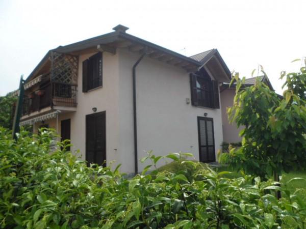 Appartamento in vendita a Caravate, Con giardino, 78 mq