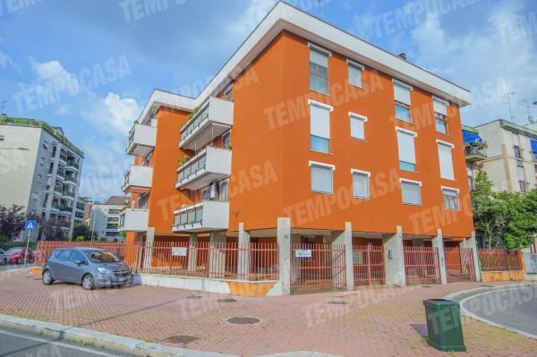 Locale Commerciale  in vendita a Milano, Affori Fn, 150 mq