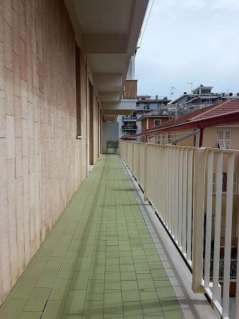 Appartamento in vendita a Chiavari, Residenziale, Con giardino, 90 mq