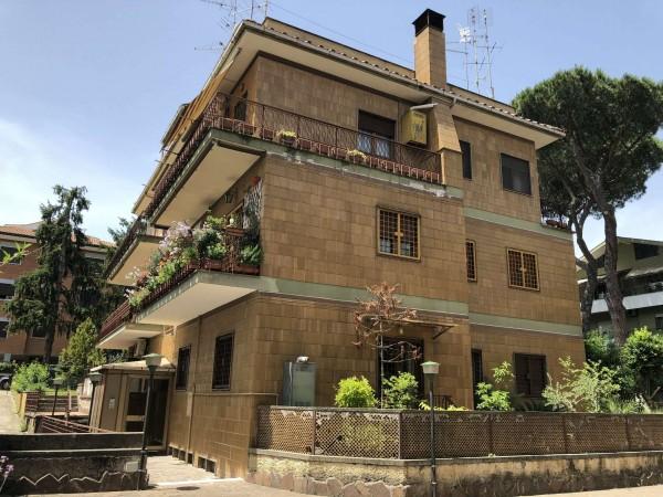 Appartamento in vendita a Roma, 119 mq