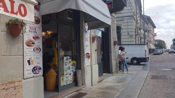 Locale Commerciale  in vendita a Asti, Centro, 40 mq