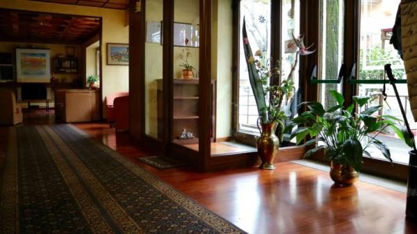 Locale Commerciale  in vendita a Abbadia San Salvatore, Abbadia San Salvatore, Con giardino, 1700 mq - Foto 3