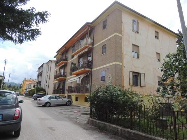 Appartamento in vendita a Spoleto, Casette, 85 mq