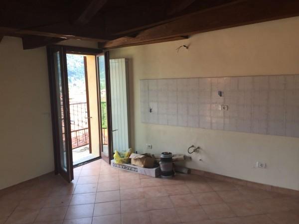 Appartamento in vendita a Cuvio, 50 mq