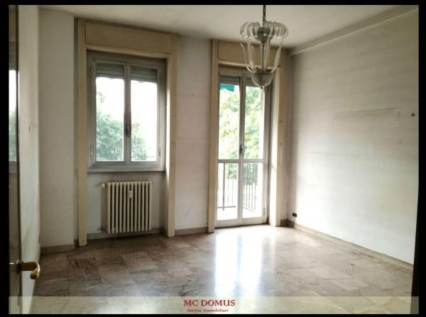 Appartamento in vendita a Milano, P.zza Melozzo Da Forlì, 60 mq