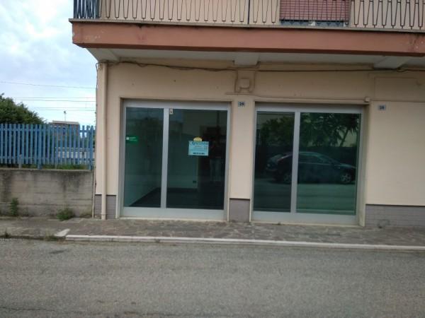 Locale Commerciale  in vendita a Cassano all'Ionio, Sibari, 120 mq