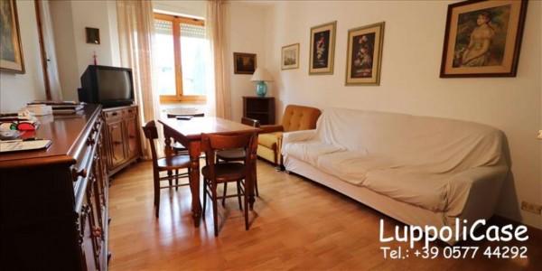 Appartamento in vendita a Siena, 62 mq