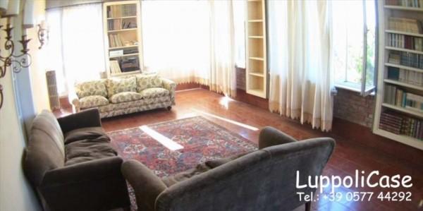 Appartamento in vendita a Siena, 200 mq