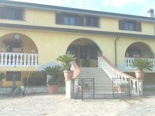 Villa in vendita a Aprilia, Apriliana, Con giardino, 500 mq