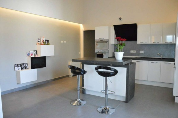 Appartamento in vendita a Campi Bisenzio, La Madonnina, Con giardino, 100 mq