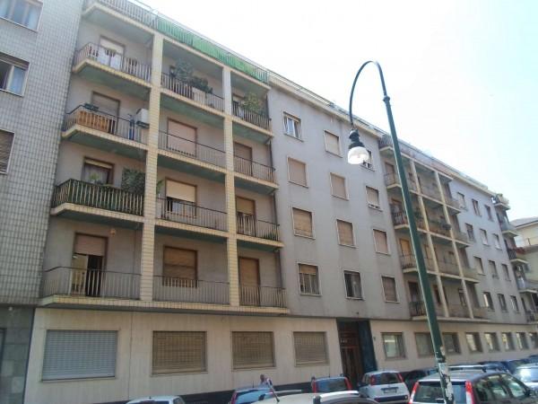 Appartamento in vendita a Torino, Centro, 63 mq