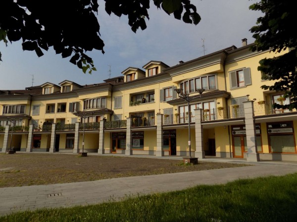 Appartamento in vendita a Senago, Castelletto, 62 mq