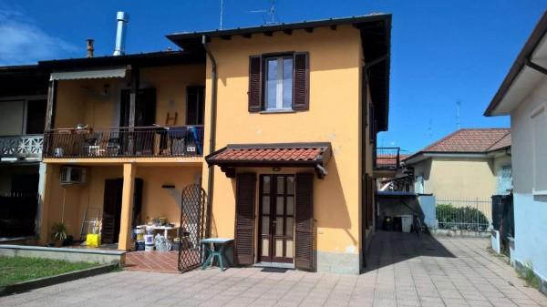 Appartamento in affitto a Magenta, Semi-centrale, Arredato, con giardino, 80 mq