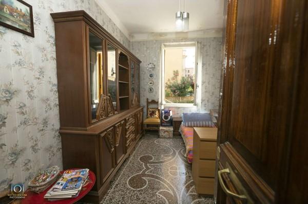 Appartamento in vendita a Genova, 50 mq
