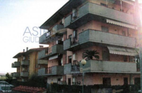 Appartamento in vendita a Agliana, Con giardino, 64 mq
