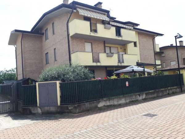 Appartamento in vendita a Caronno Pertusella, 98 mq