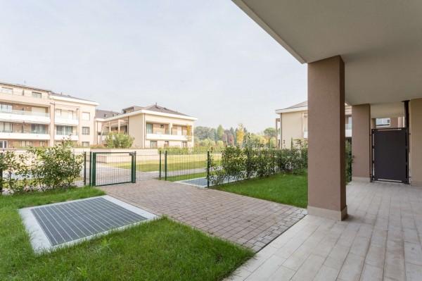Appartamento in vendita a Cernusco sul Naviglio, Con giardino, 180 mq