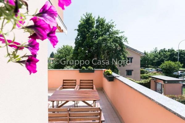 Appartamento in vendita a Cernusco sul Naviglio, Con giardino, 100 mq