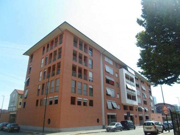 Appartamento in vendita a Torino, Piazza Rebaudengo, Con giardino, 63 mq