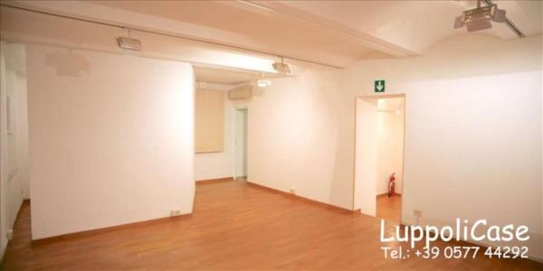 Ufficio in affitto a Siena, 75 mq