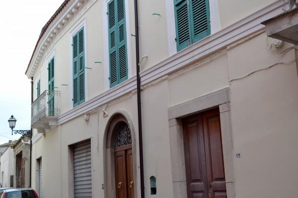 Casa indipendente in vendita a Torre de' Passeri, Centro, Con giardino, 243 mq