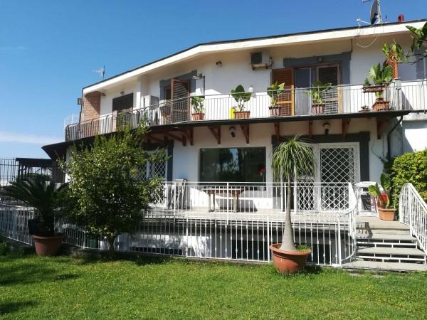 Villa in vendita a Napoli, Con giardino, 300 mq