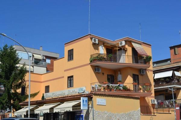 Appartamento in vendita a Roma, 77 mq