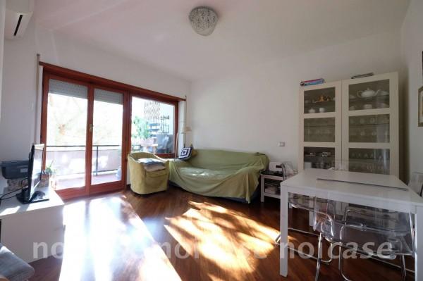 Appartamento in vendita a Roma, Mostacciano, Con giardino, 81 mq