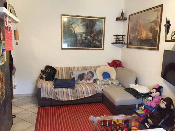 Appartamento in vendita a Cocquio-Trevisago, 65 mq