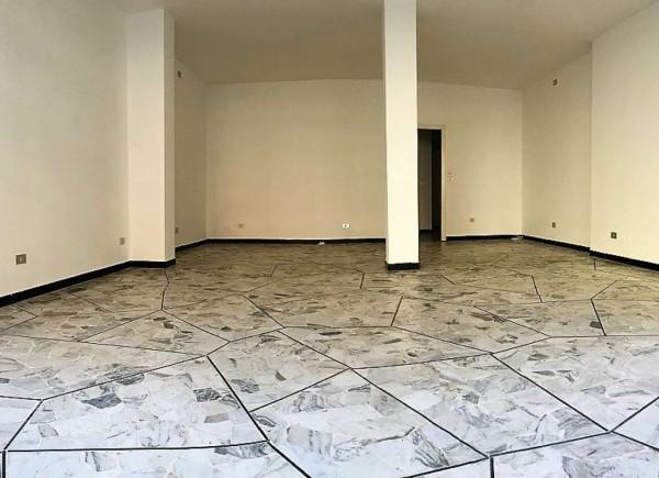 Negozio in affitto a Chiavari, Centro, 50 mq