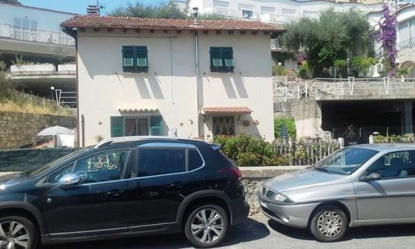Casa indipendente in vendita a Diano Marina, 90 mq - Foto 2