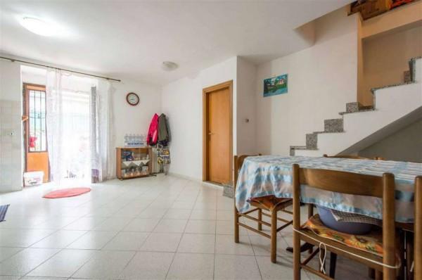 Villa in vendita a Roma, Lunghezza, Con giardino, 125 mq