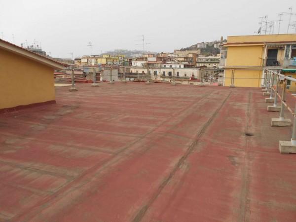 Appartamento in vendita a Napoli, 175 mq