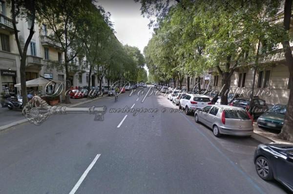 Locale Commerciale  in vendita a Milano, Cadore, 120 mq