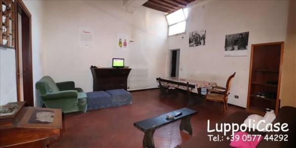 Appartamento in vendita a Siena, 97 mq