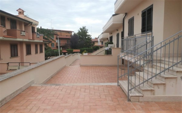 Villetta a schiera in vendita a Roma, Borghesiana, Con giardino, 120 mq