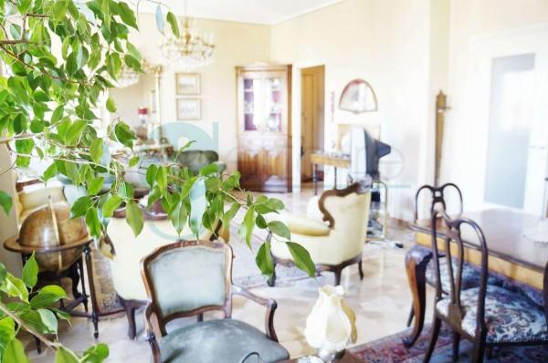Appartamento in vendita a Milano, Piazza Frattini, 122 mq