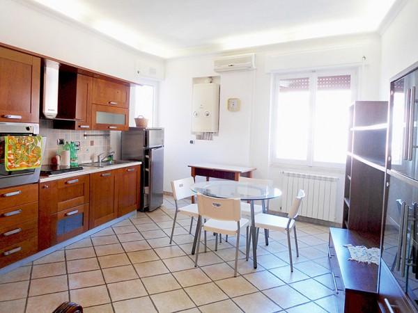 Appartamento in vendita a Pomezia, Torvaianica, 75 mq