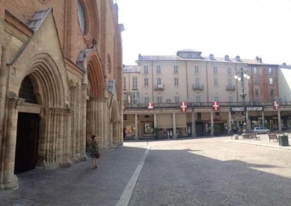 Appartamento in vendita a Asti, Centro, 65 mq