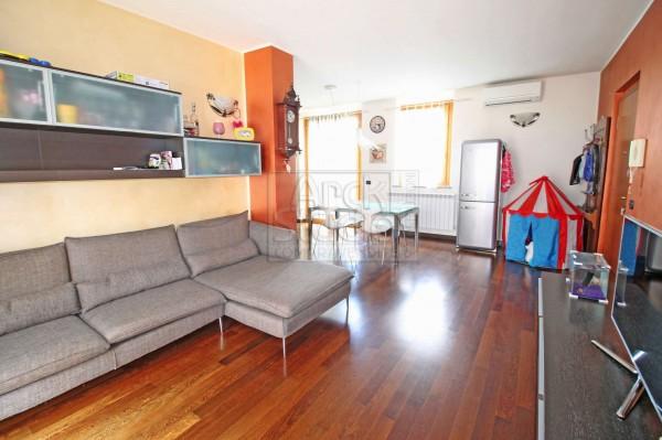 Appartamento in vendita a Cassano d'Adda, Stazione, 120 mq