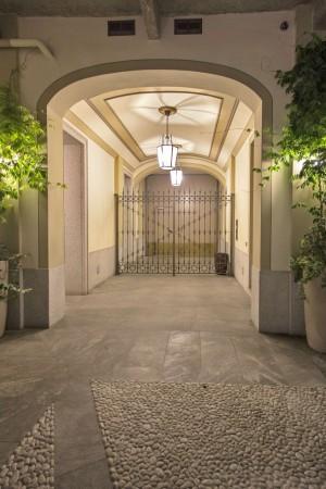 Locale Commerciale  in affitto a Milano, Navigli - Porta Genova, 298 mq