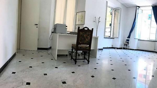 Appartamento in vendita a Chiavari, Centro Storico, 90 mq