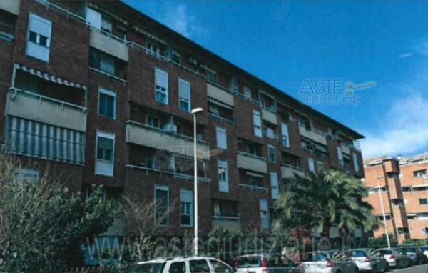 Appartamento in vendita a Firenze, Isolotto, Con giardino, 54 mq
