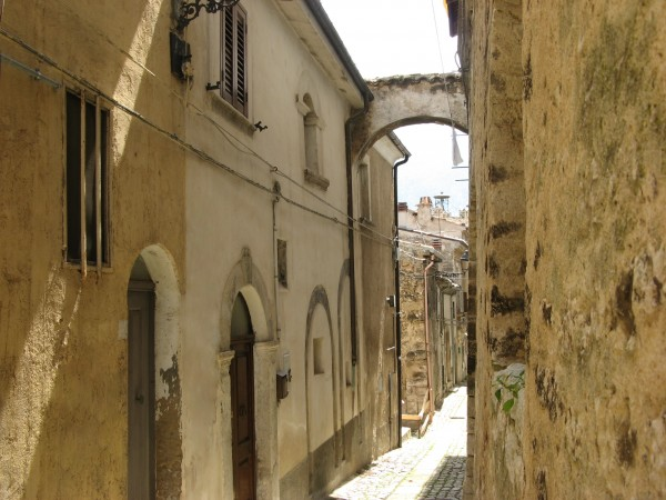 Villetta a schiera in vendita a Tocco da Casauria, Centro Storico, 90 mq
