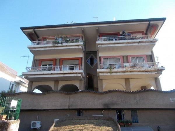 Appartamento in vendita a Roma, Cassia Tomba Di Nerone, 50 mq