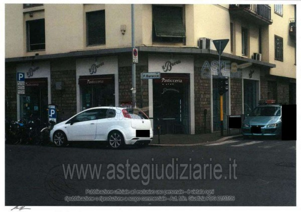 Locale Commerciale  in vendita a Firenze, Baracca, 200 mq