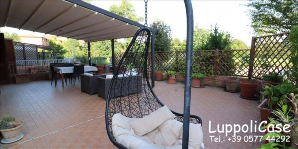 Appartamento in vendita a Castelnuovo Berardenga, Con giardino, 104 mq