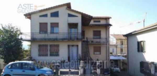 Appartamento in vendita a Agliana, Stazione, Con giardino, 163 mq